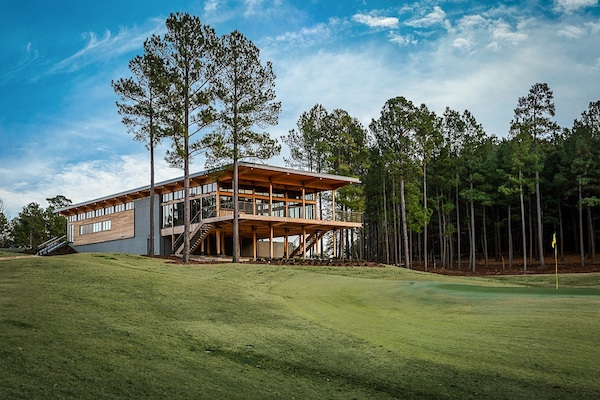 picture of Mystic Creek Golf clubhouse
